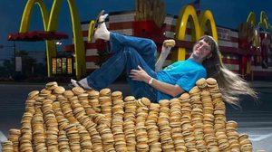 คุณลุงชาวสหรัฐสร้างสถิติโลกด้วยการกิน Big Mac ได้ 30,000 ชิ้น ภายในระยะเวลา 46 ปี!!!