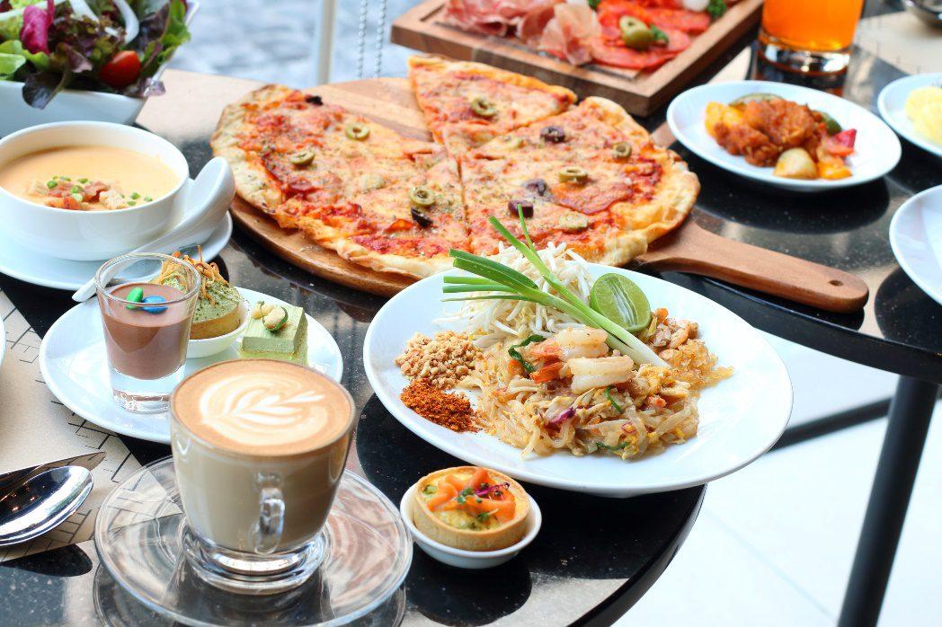 อร่อยคุ้มบุฟเฟ่ต์มื้อกลางวัน ที่ห้องอาหารฟู้ด เอ็กซเชนจ์ โรงแรมโนโวเทล กรุงเทพ สุขุมวิท 4