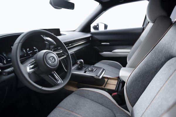 MazdaMX30