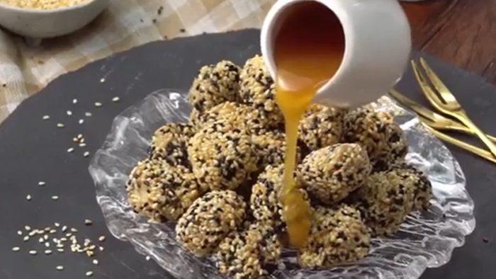 วิธีทำ กล้วยคลุกงาทอด เมนูขนมทำง่าย กรอบนอกนุ่มใน