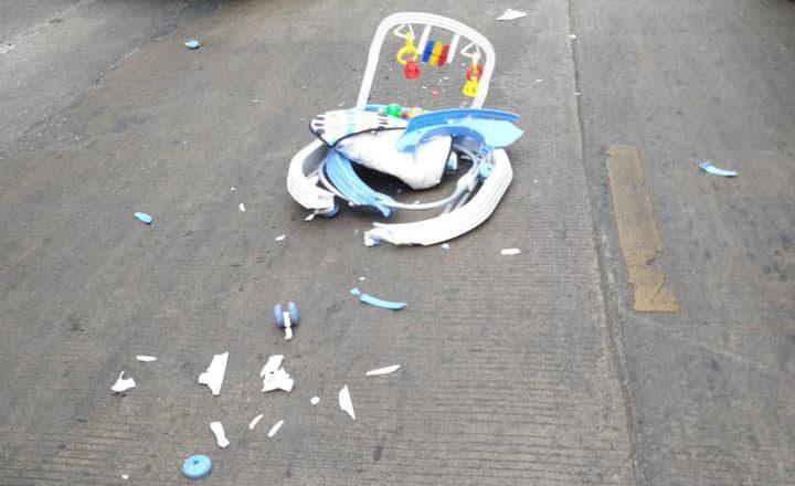 อุทาหรณ์! เด็ก 8 เดือนนั่งรถเข็น เกิดพลาดไหลไปถนน ถูกรถบรรทุกทับเสียชีวิต