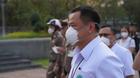 """""""อนุทิน"""" นำผู้บริหาร สธ.ลงพื้นที่สวนลุมฯ แจกหน้ากากอนามัย สู้ PM2.5"""