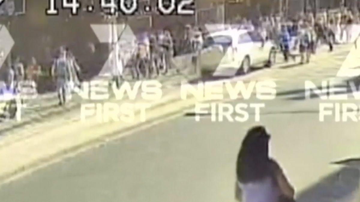 นาทีที่คนร้ายขับรถพุ่งชนกลุ่มคนในเมืองเมลเบิร์น
