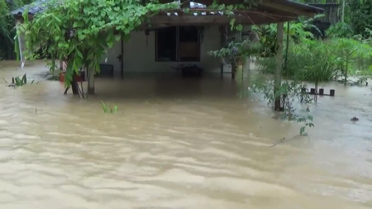 ประกาศเขตภัยพิบัติ จ.ตรัง ฝนยังตกต่อเนื่องทำน้ำท่วมรวม 5 อำเภอ