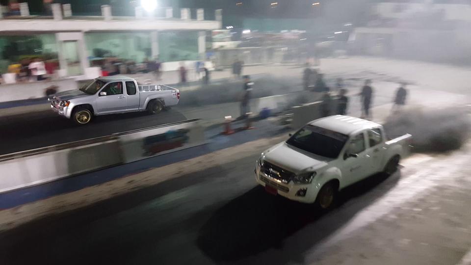 ISUZU D-MAX VS CHEV ตาหวาน ดวนทางตรง | Drag Racing Thailand