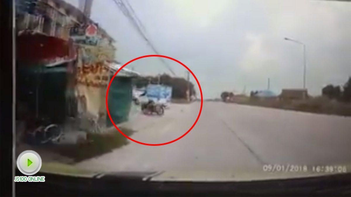 อุทาหรณ์รถพ่วงไหลมากลางถนน (10-01-61)