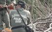 ชาวบ้านงมหอยเจอระเบิด 6 ลูก ย่านปทุมธานี
