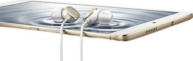 3-headphones-kv