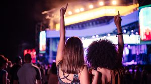 พฤติกรรมที่แฟนคลับควรปฏิบัติในคอนเสิร์ต