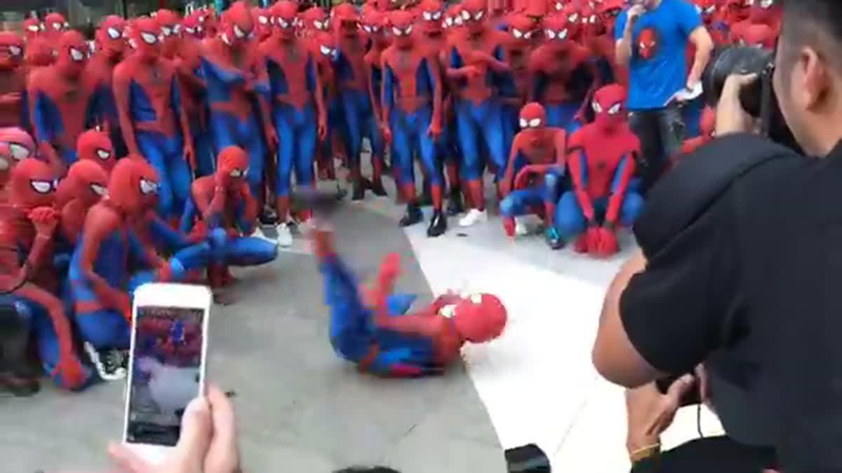 LIVE บรรยากาศการรวมพล Spider-Man กลางสยามประเทศ ที่สยามพารากอน