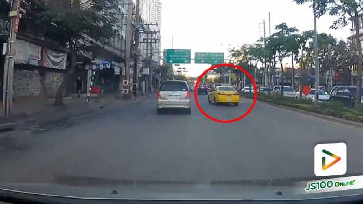 ไม่รู้ว่าจะรีบไปไหน แต่เล่นปาดกันขนาดนี้ถ้าเกิดอุบัติเหตุใครรับผิดชอบ?! (30/10/2019)