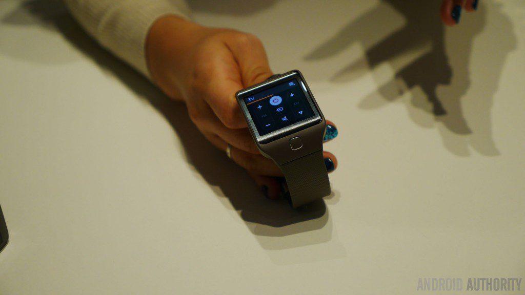 Samsung-gear-2-fit-aa-3