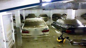 สุดช้ำ ! ภาพรถหรูนับสิบคันจมน้ำ ชั้นใต้ดินคอนโดย่านรามคำแหง