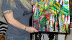 ไครา อิน วาสเซกี้ ศิลปินสหรัฐฯ ใช้นม วาดรูป