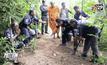 ตำรวจบุกจับผู้ต้องหาฆ่าเจ้าอาวาสวัดชำโสม จันทบุรี