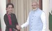 """""""ซูจี""""พบกับผู้นำอินเดีย"""