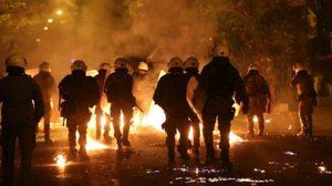 ตำรวจกรีซปะทะผู้ชุมนุมต่อต้าน 'ประธานาธิบดีสหรัฐฯ'
