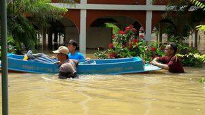 ชาวบ้าน อ.เสนา ร้องคนช่วยหลังน้ำท่วมอยุธยานานร่วมเดือน