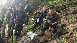 ผบ.ตร.ร่วมเดินเท้าลุยสำรวจปล่องถ้ำหลวง ด้าน 'วัน อยู่บำรุง' ถาม 'นายตำรวจใหญ่ ไปทำไม ?