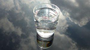 10 สัญญาณที่บอกว่าคุณยัง ดื่มน้ำ ไม่เพียงพอ!