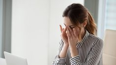 โรควุ้นลูกตาเสื่อม อันตรายที่คนใช้คอมฯ ต้องอ่าน