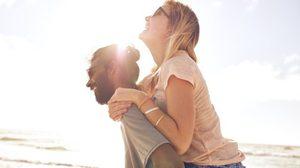 นักวิทยาศาสตร์เผย 2 คุณสมบัติที่จะทำให้คุณเป็น คู่รักที่มีความสุข