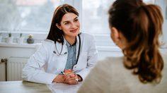 จิตแพทย์ - นักจิตวิทยา แตกต่างกันอย่างไร