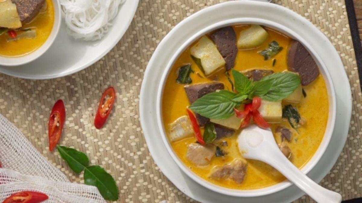 สูตร แกงคั่วฟักไก่ กินกับข้าวสวย หรือเส้นขนมจีนก็อร่อย