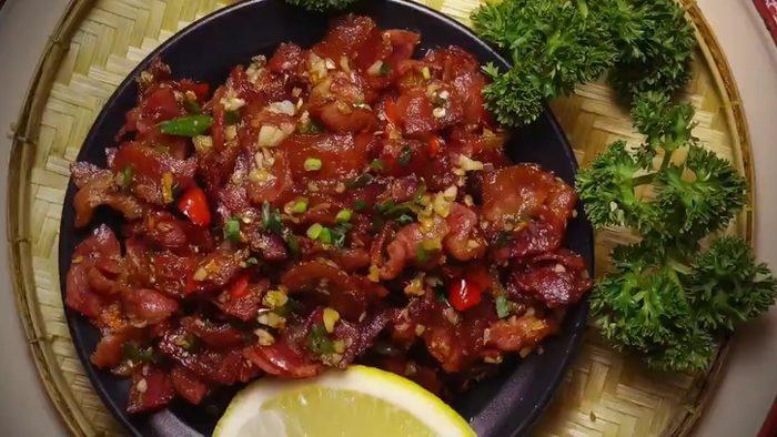 วิธีทำ เบคอนคั่วพริกขี้หนู รสชาติจัดจ้าน อร่อยง่ายๆ ที่บ้าน