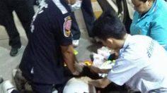 หวังดีแต่ผิดที่ !! สาวอ้างตัวเป็นหมอ ขวางหน่วยกู้ชีพช่วยคนป่วย จนทำเสียชีวิต