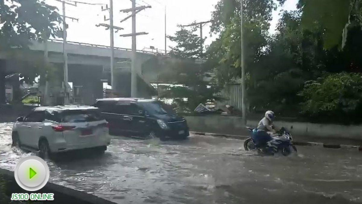 น้ำท่วมขัง ที่ใต้สะพานกลับรถ เทคนิคปทุมธานี (24-10-2560)