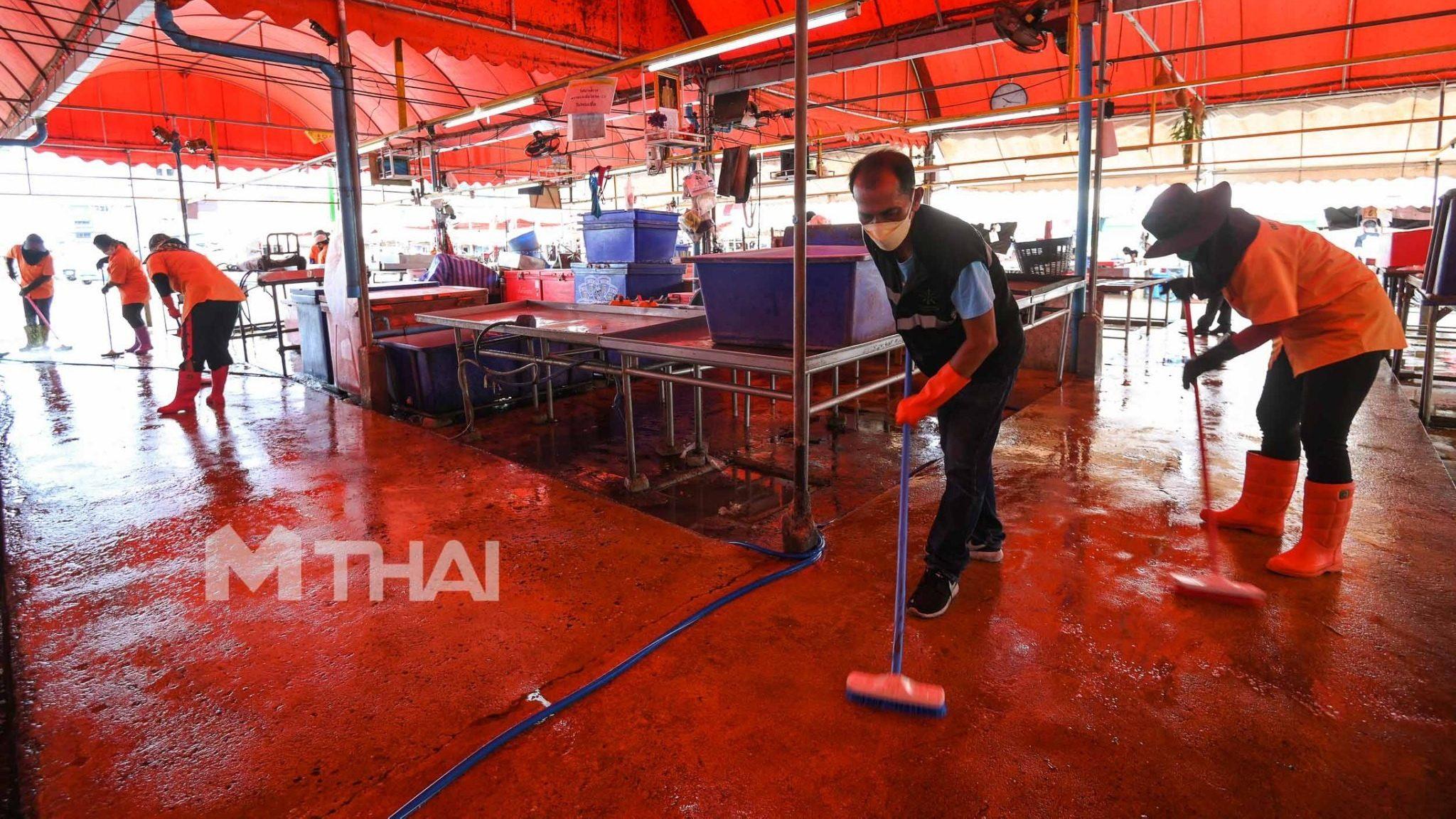 ตลาดบางใหญ่ ปิด 3 โซนตลาดกลางคืน ทำความสะอาดหลังพบผู้ติดเชื้อโควิด