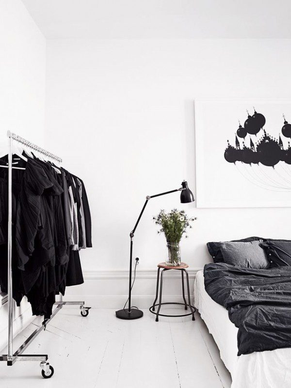 black-white-bedroon-inspired-picture