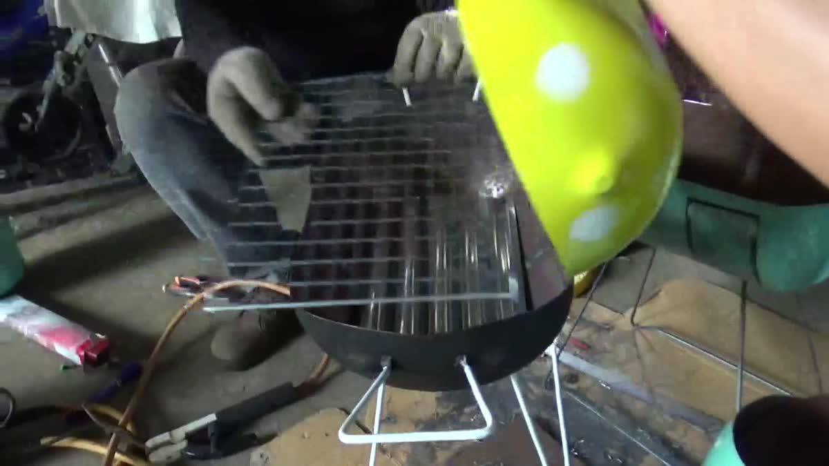 หนุ่มไอเดียเจ๋ง!! นำถังน้ำยาแอร์ดัดแปลงทำเตาปิ้งย่าง ยอดสั่งจองเพียบ