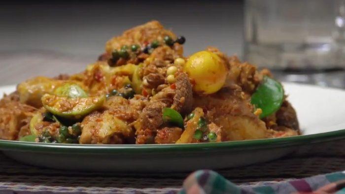 วิธีทำ ผัดเผ็ดไก่บ้าน เมนูอร่อย สมุนไพรจัดเต็ม