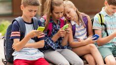 ฝรั่งเศสออกกฎ แบนสมาร์ทโฟนในโรงเรียน