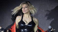 Fergie กับคอสตูมสุดหวิว – การันตี 41 ปียังแจ๋ว!