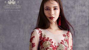 โยชิ รินรดา ในแฟชั่นชุดยกน้ำชาสวยแบบพญาหงส์แดนมังกร จินตนาการจากวรรณกรรมจีนโบราณ
