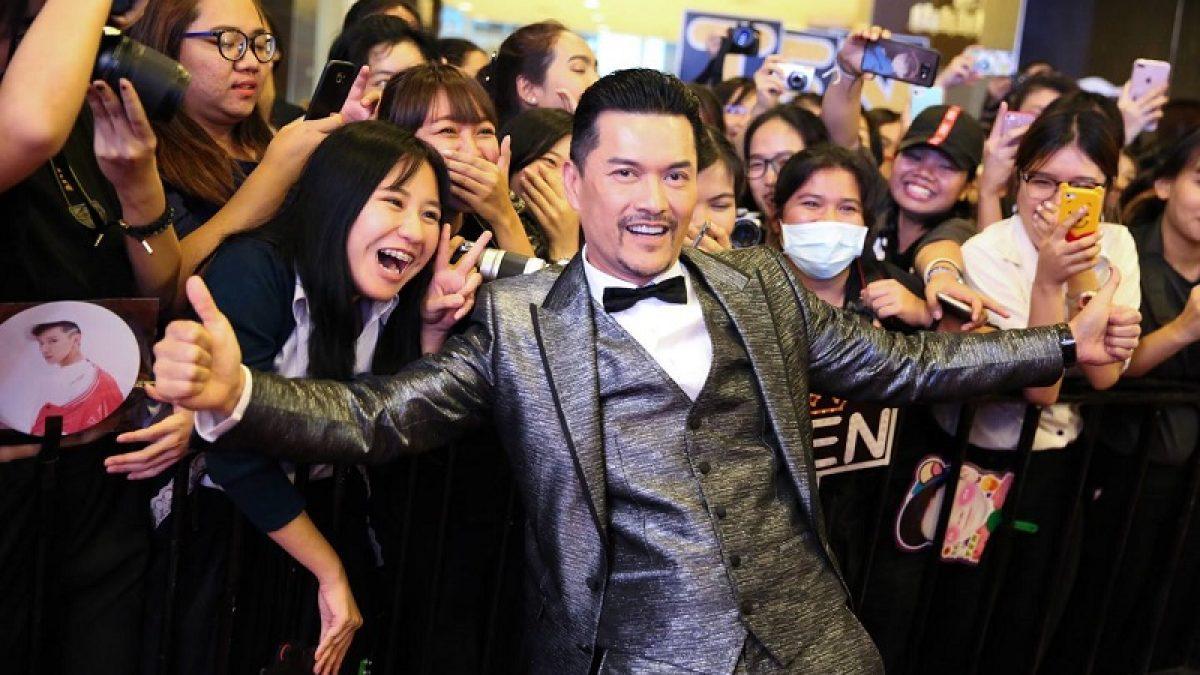 ติ่งเกาหลียังกรี๊ด! ติงลี่ แจกความหล่อเนี๊ยบ บนพรมแดง Thailand Headlines Person Of The Year Award