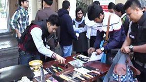 ตำรวจบุกค้น 'อุเทนถวาย-ปทุมวัน' ก่อนวันสถาปนา พบอาวุธอื้อ
