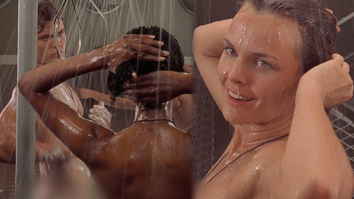 ที่นี่ ชาย-หญิง เขาแก้ผ้าอาบน้ำรวมกัน ไม่เห็นมีใครว่าเลย!! (18+)