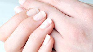 มาเช็ก! 10 สัญญาณเตือนจาก มือ ที่บอกว่าตอนนี้คุณป่วยเป็นโรคอะไรอยู่