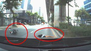 กล้องหน้ารถช่วยชีวิต ! คนขับเบนซ์พ้นผิดชนจยย.สาว 16 กระเด็น