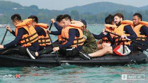 สไตล์ทหารเรือ! ราชนาวีจับแข้งฝึกหน่วยซีลสร้างความสามัคคี (ประมวลภาพ)
