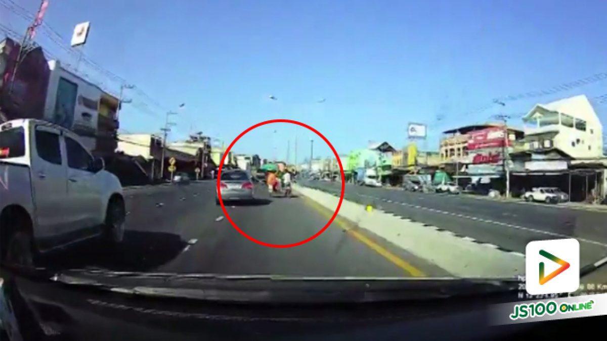 คลิปอุบัติเหตุรถชนกับซาเล้งพระภิกษุสงฆ์ (21-03-61)