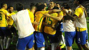 ผลบอล : เปาลินโญ่ กดแฮตทริก!! บราซิล โคตรดุบุกรัว อุรุกวัย 4-1 นำฝูงห่าง7แต้ม คัดบอลโลก
