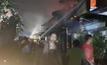 ไฟไหม้ชุมชนย่านฝั่งธนฯ เสียหายเกือบ 20 หลัง