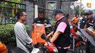 ตำรวจตรวจจับ วินจยย.รับจ้าง หลังโพสต์ประกาศขายเสื้อวินราคากว่าแสนบาท