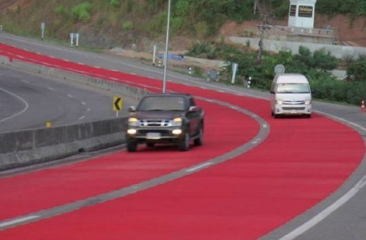 ยางรถยนต์ยี่ห้อไหนยึดถนนแน่นๆ  ช่วยให้รถไม่หลุดโค้งครับ