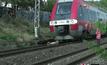 รถไฟฝรั่งเศสชนไม้ล้มขวางราง เจ็บหนัก 13 ราย